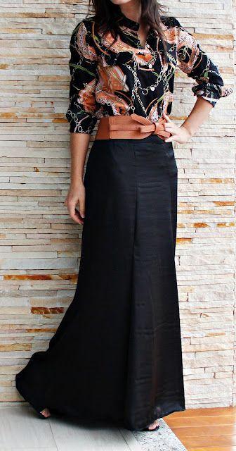 Falda larga negra y color cuero. Diferente
