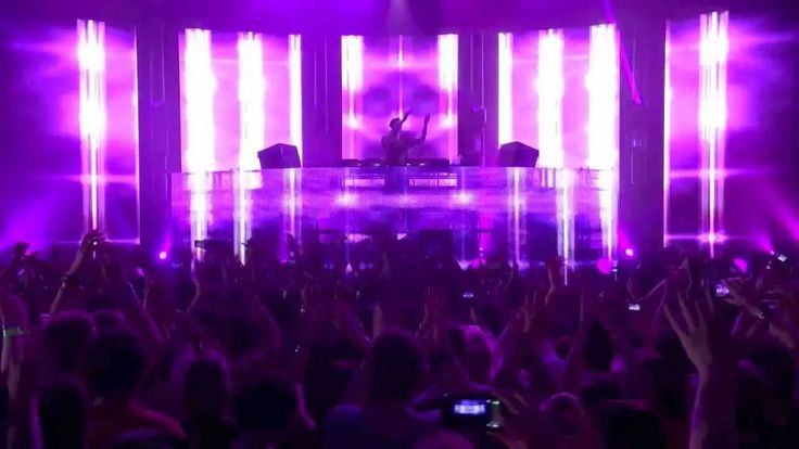 Calvin Harris feat. Rihanna – We Found Love (Live at iT…
