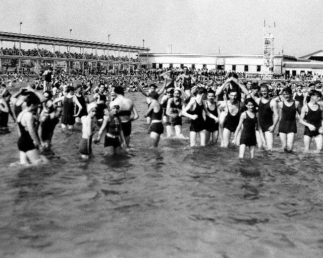 19 Best Vintage Swimming Pools Images On Pinterest