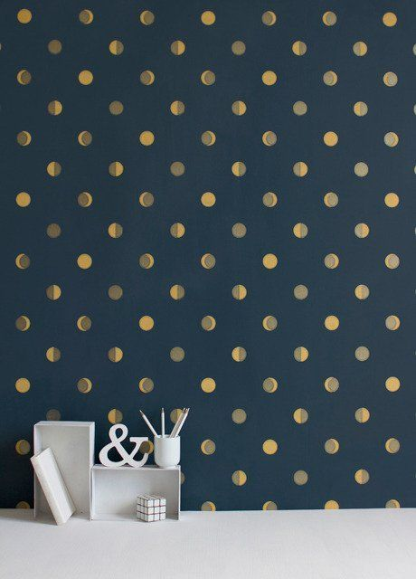 Gold Rush: 8 Subtly Metallic Wallpapers
