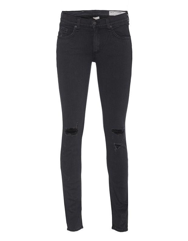 Destroyed Skinny-Jeans Die Figur umschmeichelnde schwarze Skinny-Jeans ist aus einem stretchigen Viskose-Gemisch gefertigt und kommt mit mittlerer Bundhöhe und coolen Destroyed-Elementen.  Lässig, sexy, cool - perfekt für jeden Tag!