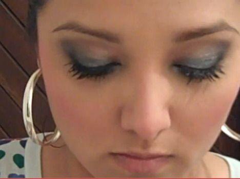 Como Maquillarse los Ojos en Tonos Grises