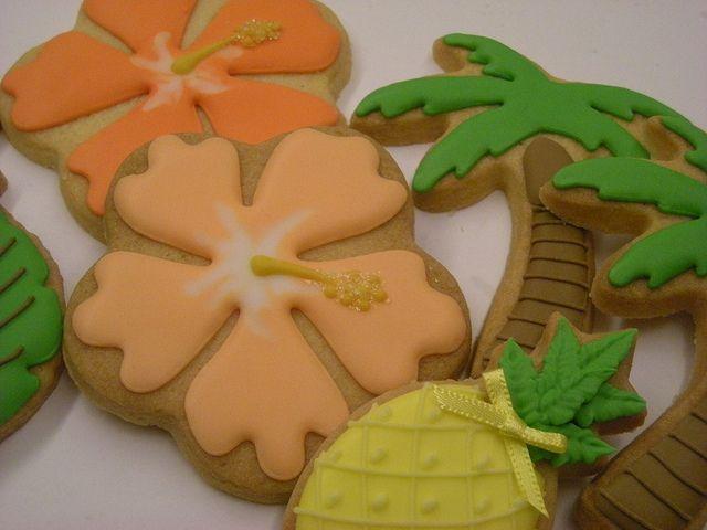 Hawaiian cookies by Cbonbon cookie, via Flickr