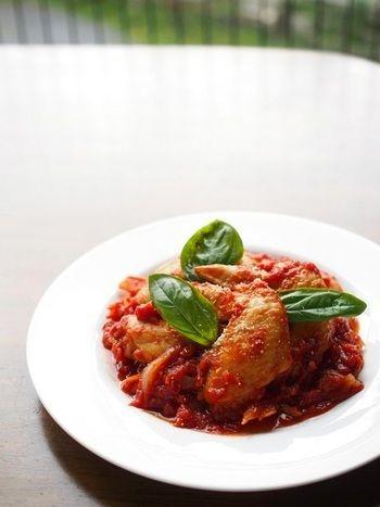 トマトの栄養を手軽に摂れる。トマト缶・トマトジュースを使ったレシピ ... チキンとトマト缶のフライパン煮込み