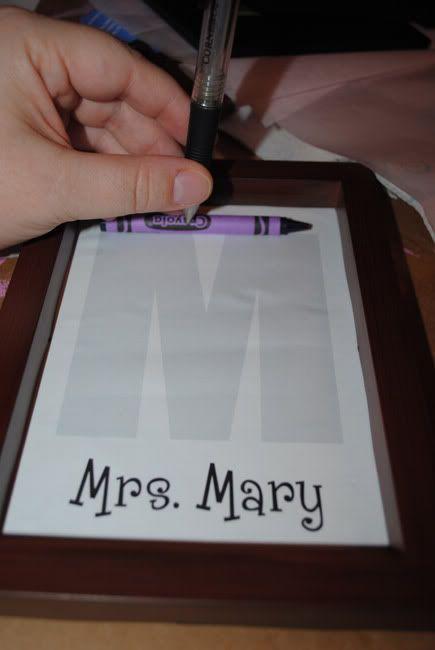 Crayon Monogram Tutorial with Free Printable Card #TeacherAppreciation
