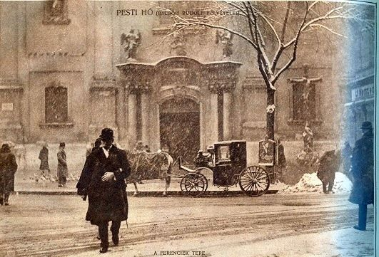 A Ferenciek tere adventi hóesésben 1927. december (Pesti Napló)