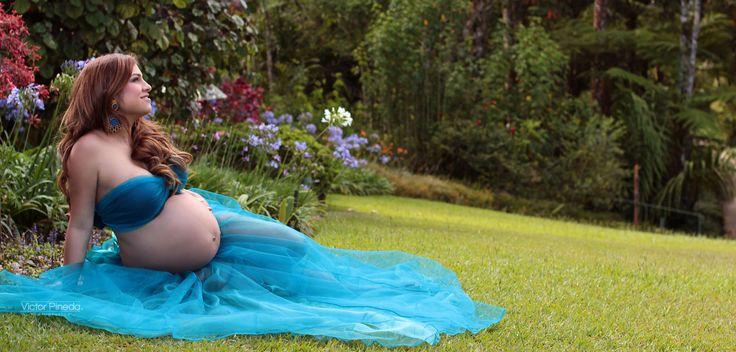 M s de 25 ideas fant sticas sobre fotos de embarazos al for Piscina para embarazadas