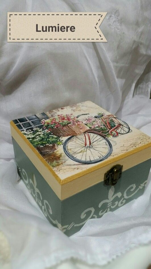 Vintage romantic decoupage
