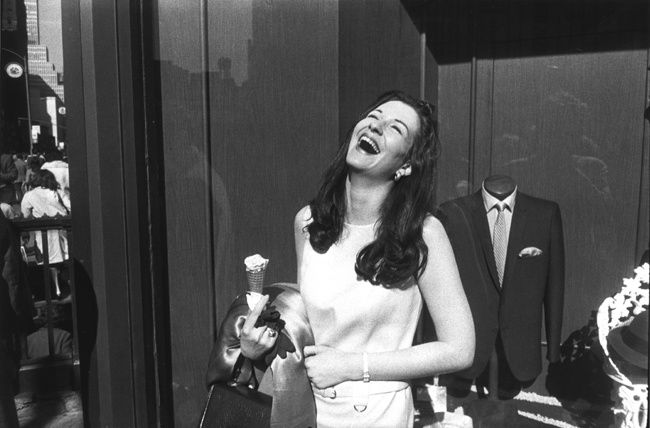 https://www.kopeikingallery.com/artists/garry-winogrand#images-artist-object-33-