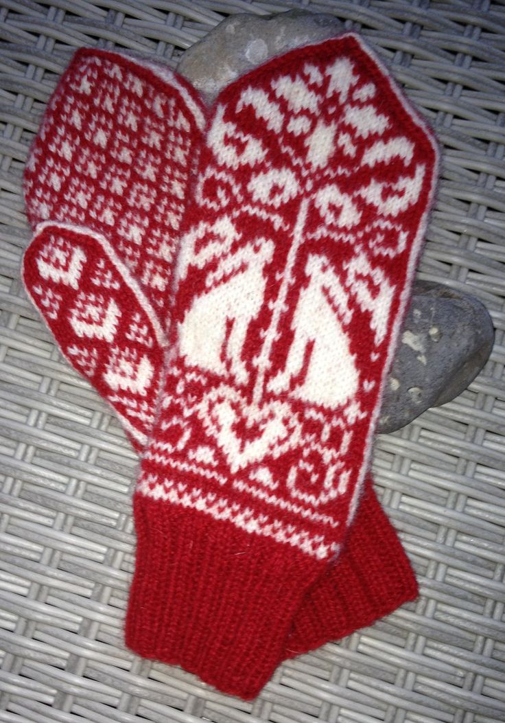 Kissing hares mittens by madebyathread on Etsy