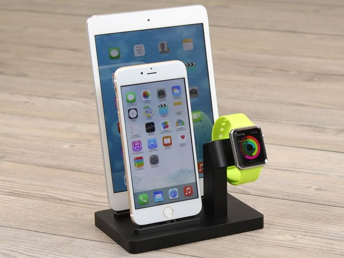 premium one the docking station for apple watch and iphone by michael enblue technology. Black Bedroom Furniture Sets. Home Design Ideas