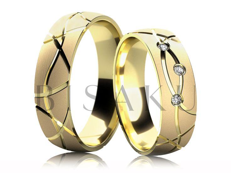 4263 Zaujaly vás naše snubáky s výraznými liniemi po celém obvodě, ale viděli jste je prozatím pouze v bílém zlatě? Máme pro vás variantu našich modelů z kolekce Bisaku Vintage B38 a B13, kdy je základem opět saténový mat s lesklými liniemi, vše ve žlutém zlatě. Neváhejte a přijďte si je k nám osobně vyzkoušet. #bisaku #wedding #rings #engagement #svatba #snubni  #prsteny