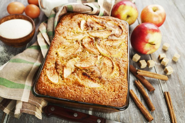 Egyszerű, grízes almás süti, amiből jobb rögtön dupla adagot sütni