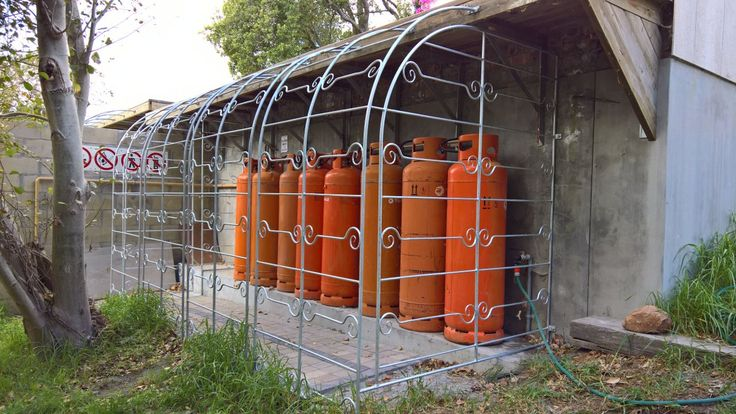Cage for Gas Bottles.