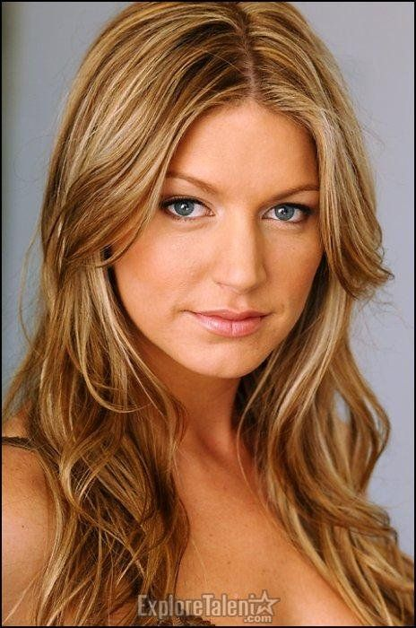 Jes Macallan December 2017