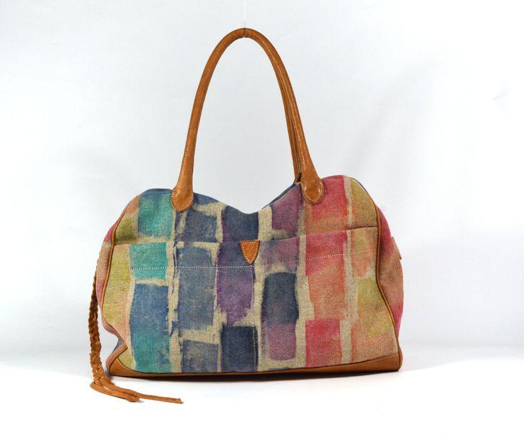 Jacono - Handmade canvas - leather bags - made in Parma – Italy –  Art. 3710 bauletto in tessuto militare rigenerato dipinto a mano, rifiniture in pelle. Dimensioni cm: Base 42, Altezza 30, Profondità 12. Luce manici 22