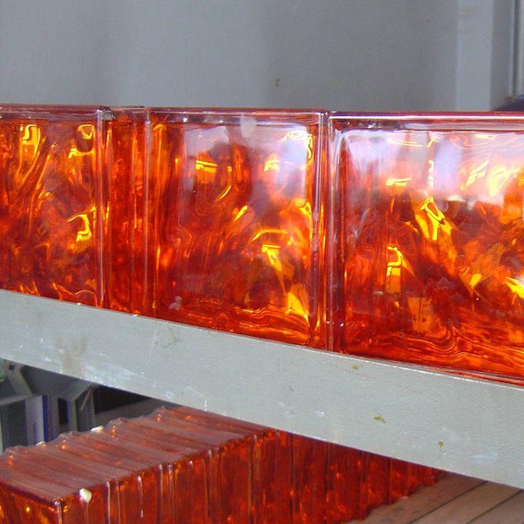 les 20 meilleures images du tableau brique de verre sur pinterest blocs de verre briques et verre. Black Bedroom Furniture Sets. Home Design Ideas