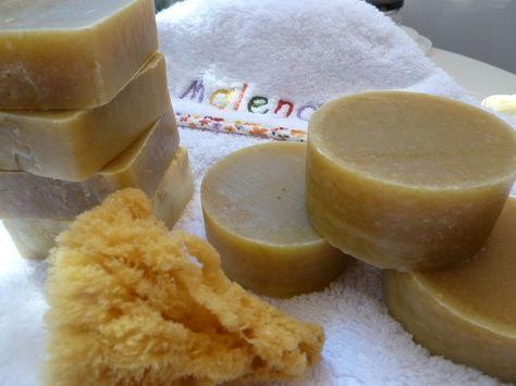 Mis hijas tienen ambas dermatitis atópica, así que he decidido hacer un jabón para bebés de lo bueno lo mejor. Lo he elaborado con ingredie...