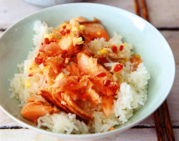 Nigella - Hot, sweet, sour salmon & sushi rice