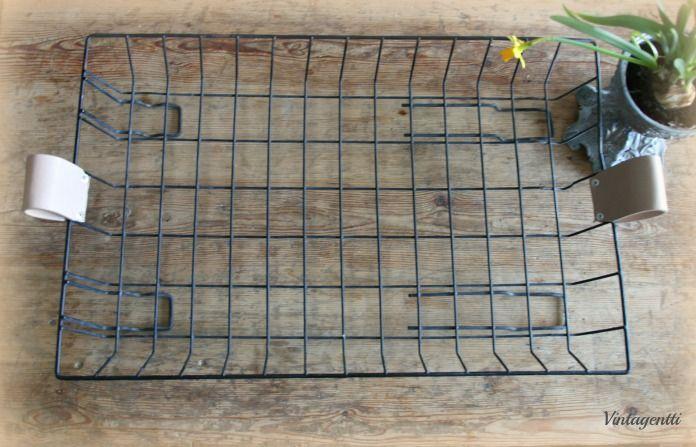 Vintagentti: DIY; tarjotin lastenvaunujen alakorista
