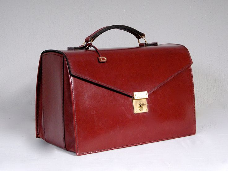 DELVAUX Bruxelles Vintage Bordeaux Red Dr Gladstone Flight Vanity Case With Key by vdpshop on Etsy