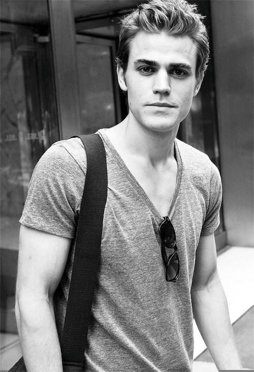 Paul Wesley loveee him!!