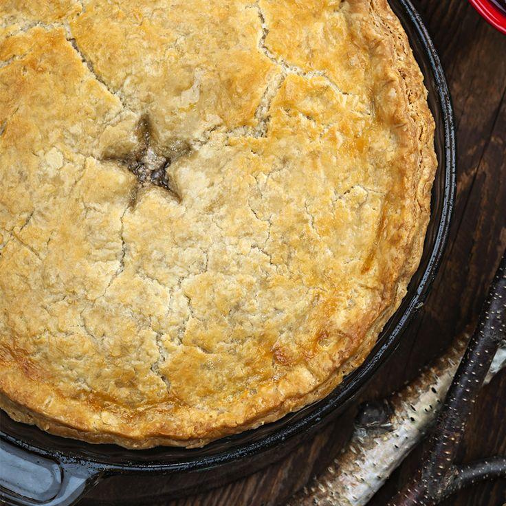 Tourtière du Lac-Saint-Jean—Comme la dinde ou la bûche, la tourtière est un incontournable des fêtes. Chaque famille a sa recette unique –la meilleure! Voici notre version de ce classique de Noël.