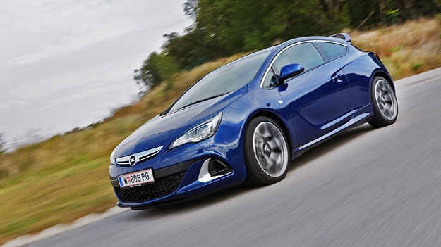 Opel Astra OPC http://www.autorevue.at/best_of_test/fahrberichte/opel-astra-opc-test-fahrbericht.html