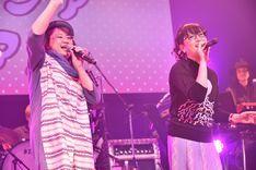 左から久保ミツロウ、能町みね子。(写真提供:Warner Music Japan)