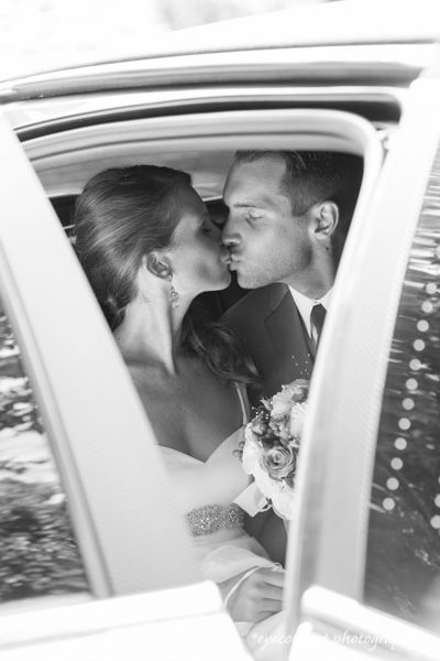 A quiet moment and kiss in the limo! photo: www.eyecontact.ca