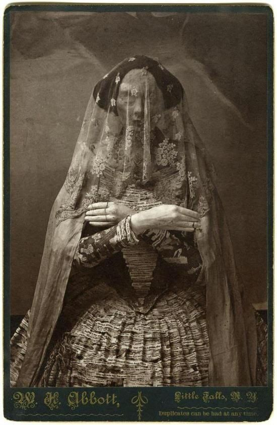 Image of Madam Violet, Queen of the Edinburgh Vampire Hive who was voted the scariest woman alive in 1882 and 1884 in the UK.