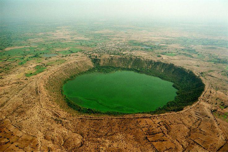 Meteor impact crater at Lonar, Maharashtra, India - [1600x1067]