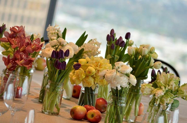 Dining table floral in preserving jars