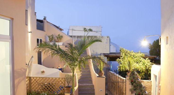 B&B La Palma Salina , Santa Marina Salina, Italia . Prenota ora il tuo hotel!