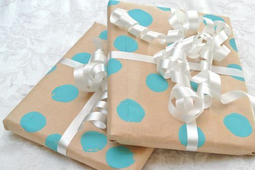 5 Minutes or Less: Cheap and Easy Wrapping Paper