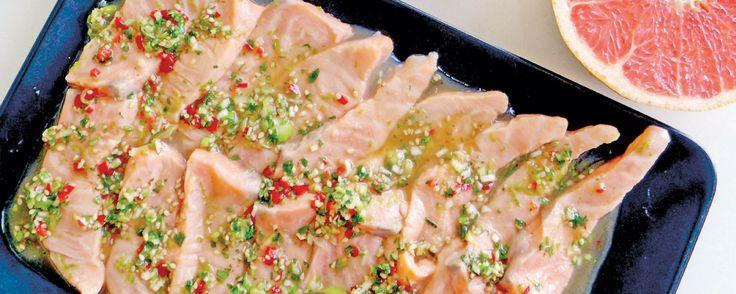 Σολομός σασίμι (Sashimi) με ροζ γκρέιπφρουτ