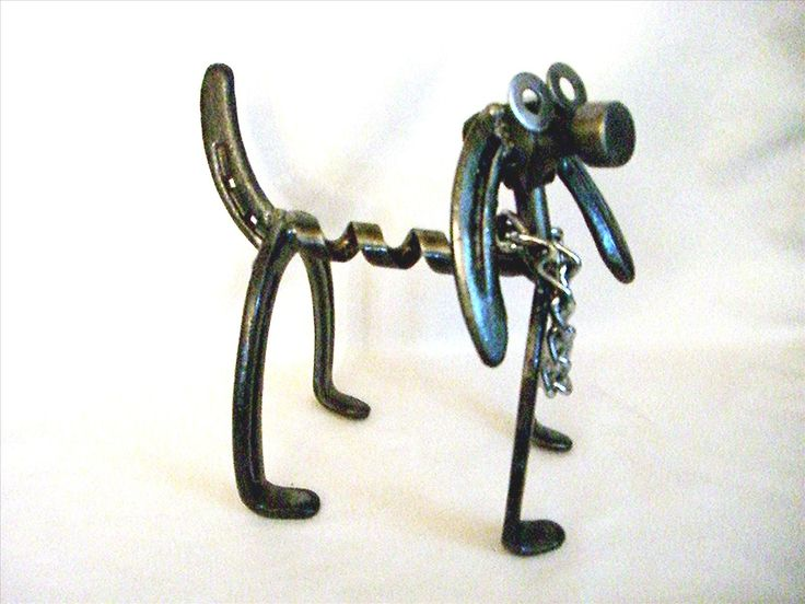 Check out http://santanmetalart.com!  San Tan Metal Art has unique metal artwork hand-made from old horseshoes and recycled metal