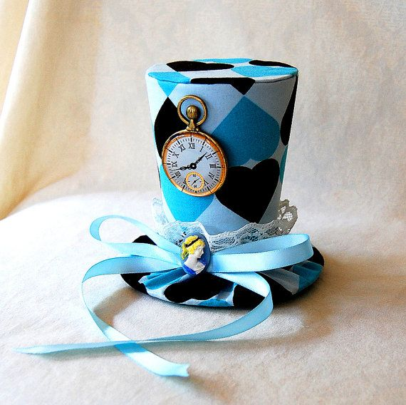 Tiny Top Hat: Alice In Wonderland V2 - Lolita Cosplay Costume Party Fascinator Photo Photography Prop Wedding Tophat Small Miniature little ($40)