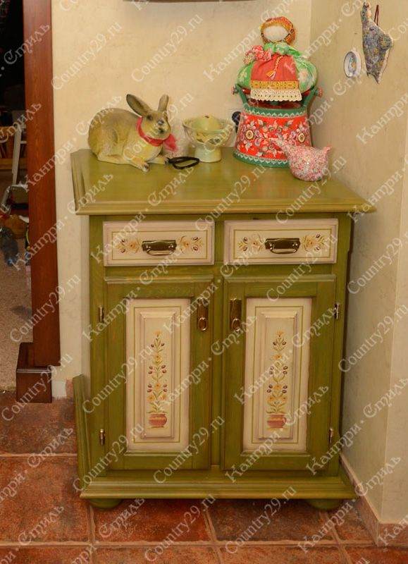 Chest of drawers made of pine. Kitchen. Комод из массива сосны. Кухня.