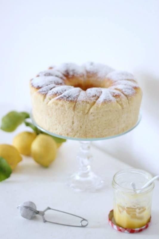 Una bella brioche, leggera, profumatissima al limone. e facilissima da realizzare. Niente farine strane ...
