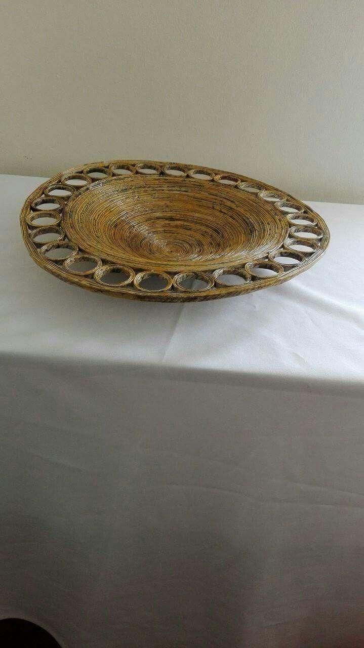 Taça em jornal de cor de bambu