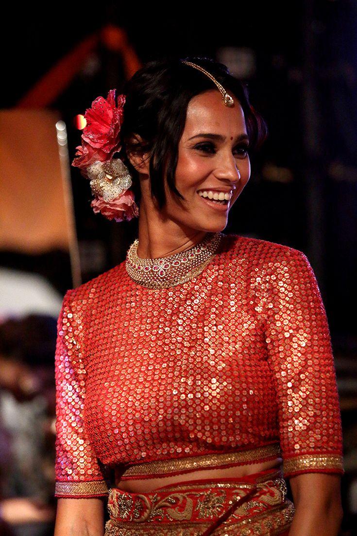 Models in the best of bridal wear from Sunny Diamonds as they take the stage in the Tarun Tahiliani show  #sunnydiamonds #belgiumdiamonds #originofbrilliance #internallyflawless #m4marryfashionweek2016 #sunnydiamondsfashionshow #m4marry #malayalamanorama #taruntahiliani