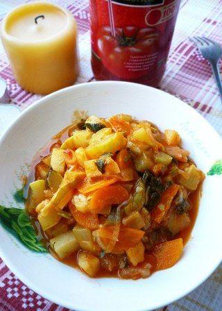 Овощное рагу в томатном соке