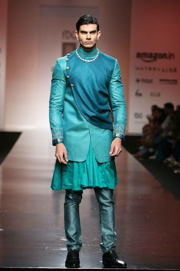 72 best Sherwani images on Pinterest   Fashion men, Man fashion and ...
