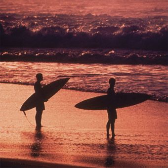 Nothing is more invigorating than the first time you glide down the face of a wave. Give him a private surfing lesson in Northern California's best beginner spots. $145 #giftsforhim #giftideas #surfinggifts #christmas #sanfrancisco
