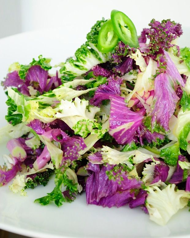 Rainbow Raw Kale Salad- takes just minutes to make, super easy and ...