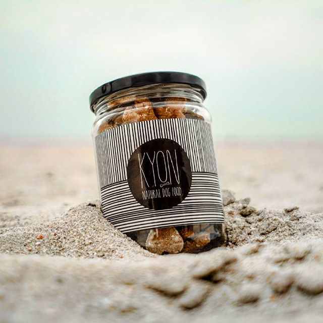 Kύων, /ki:on/ in ancient Greek, dog. Handmade dog treats made with the finest Greek ingredients.