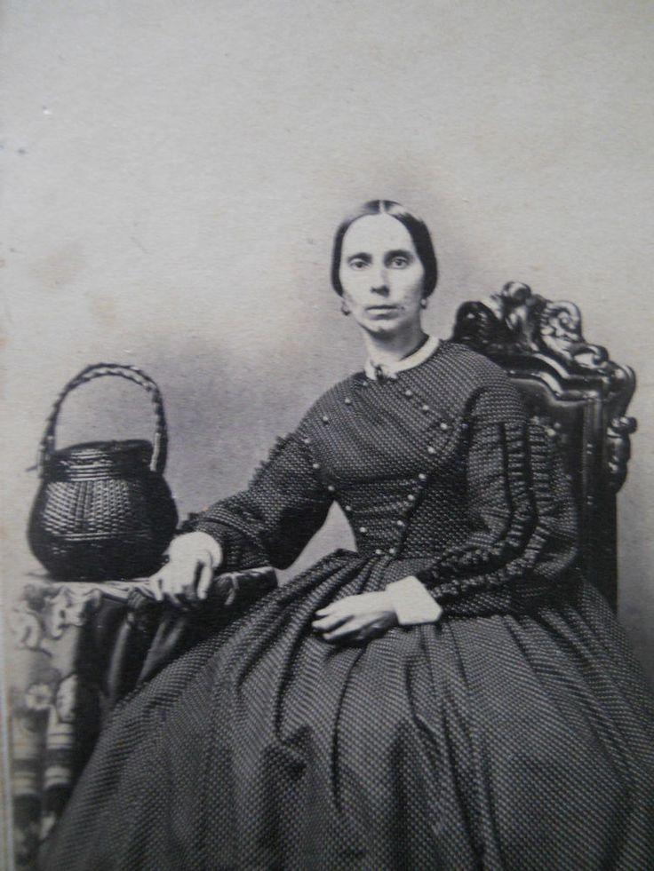 Lovely Lady~Rare Basket Purse~Elegant Hoop Dress~Antique Civil War Era CDV Photo