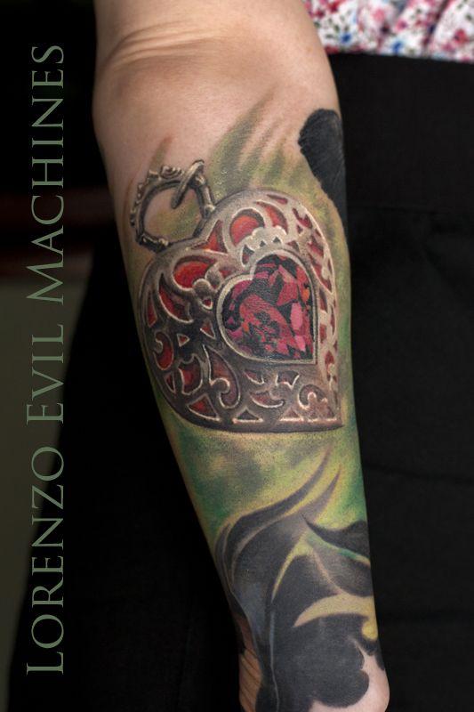 Heart Jewell Rubin- Realistic Color Tattoo by Lorenzo Evil Machines - Roma - tatuaggi realistici e ritratti 3D animali