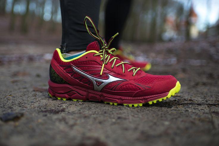 #Mizuno Wave Daichi to buty przeznaczone do biegania po górskich szlakach. Podeszwa zewnętrzna powstała przy współpracy z #Michelin, dzięki czemu gwarantuje odpowiednią przyczepność i trakcję, a system X-Groove w śródstopiu absorbujący wstrząsy